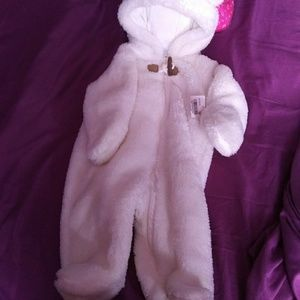 NWT Carter's infant snow suit white size 3mnths